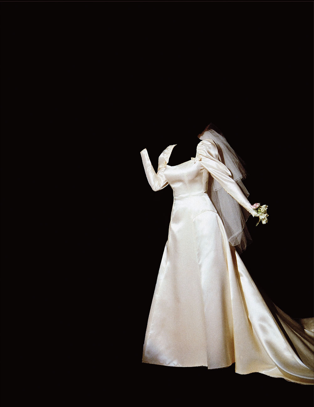 Sarah Charlesworth, Objects of Desire 1: Bride, 1983-1984, cibachrome with lacquered wood frame, 106.7 x 81.3 cm Courtesy Maccarone and estate of the artist
